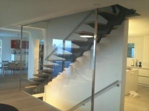 Barrière en verre - du rez au 1er étage